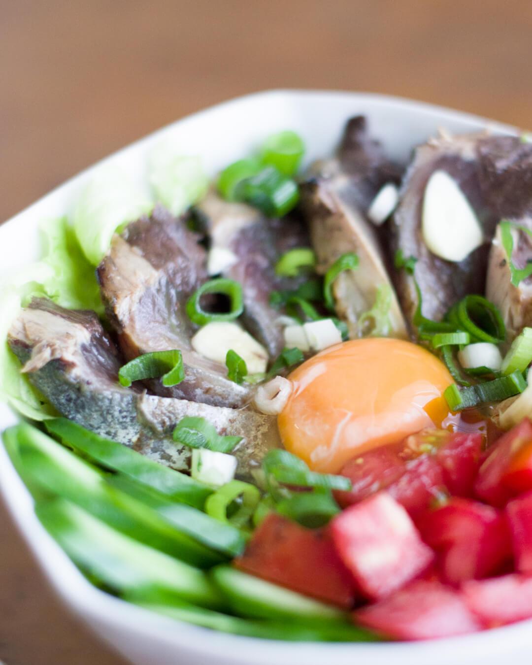 カツオのたたき丼 夏野菜たっぷり 2