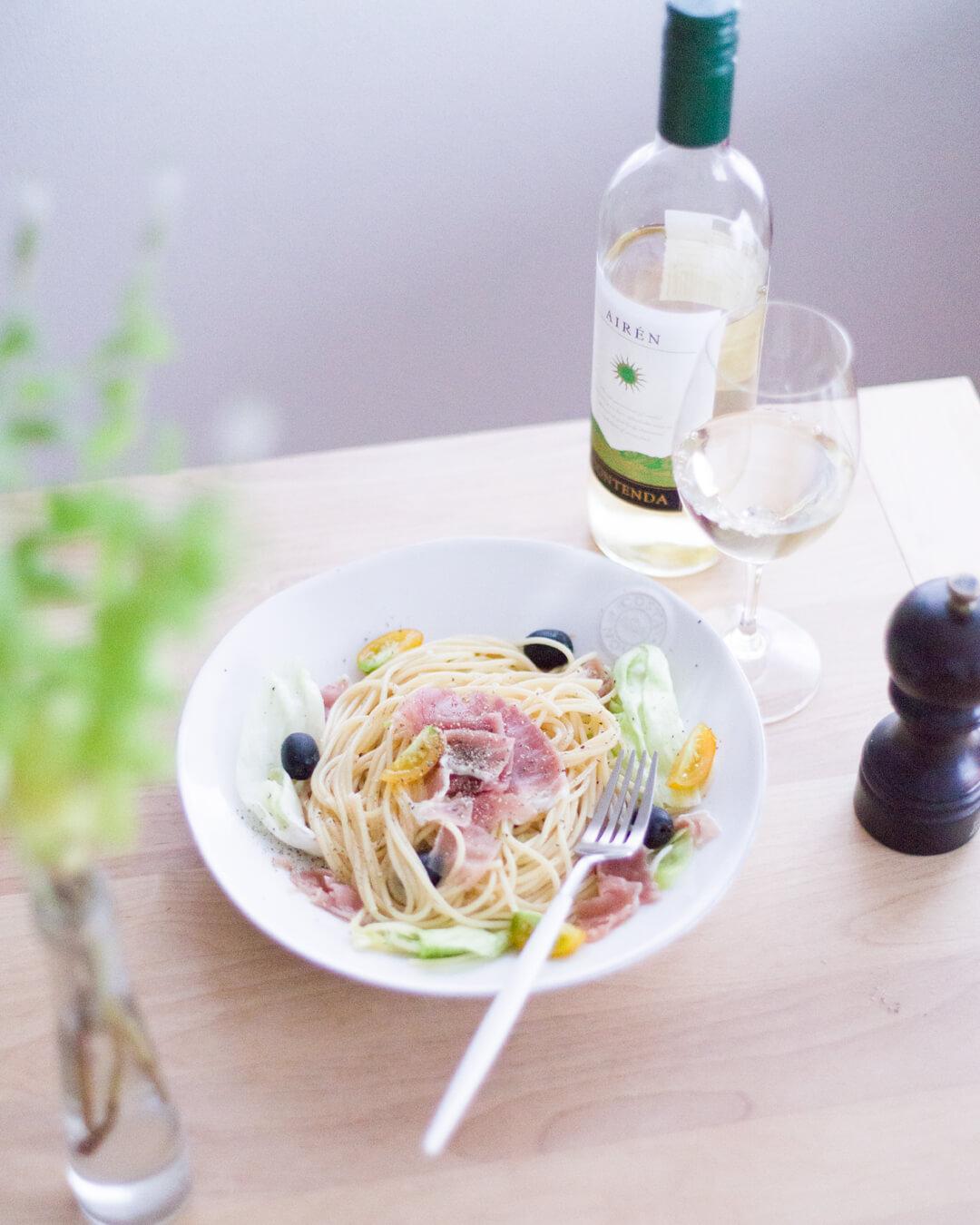 シンプル・レタスと生ハムの冷製スパゲティ